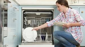 صورة أفضل طريقة لغسل الاطباق بغسالة الاطباق للحصول على اعلى كفاء ة تنظيف